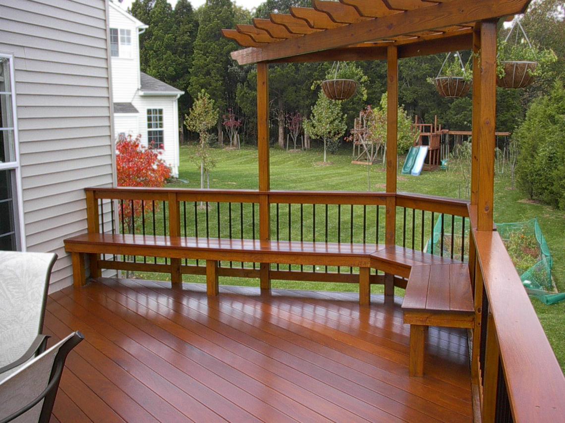 Corner pergola bench seat and pergolas on pinterest for Deck trellis